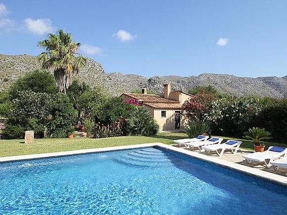 Beautiful, comfortable and rustic cottage Tonina in the countryside in Mallorca