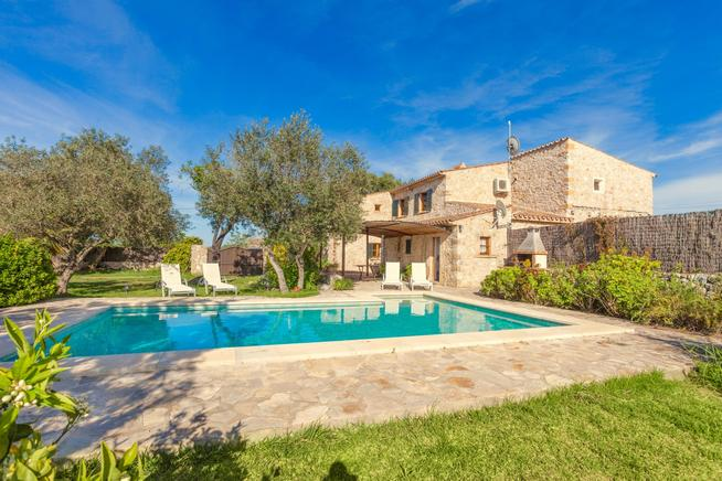 Charming Mallorcan stone-built villa Herrero with private pool