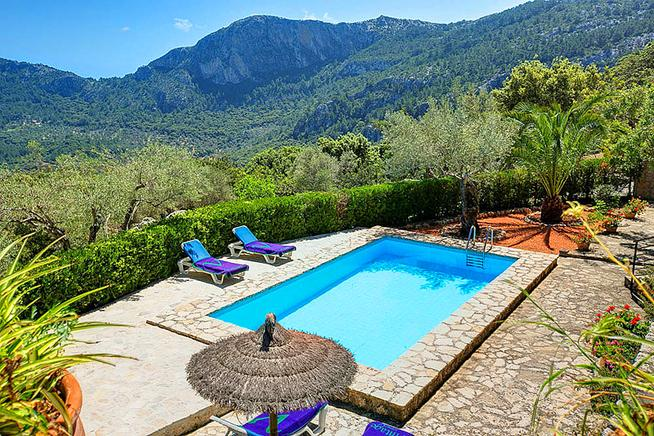 Rustic Villa surrounded by a wonderfully beautiful mountain world for nature lovers