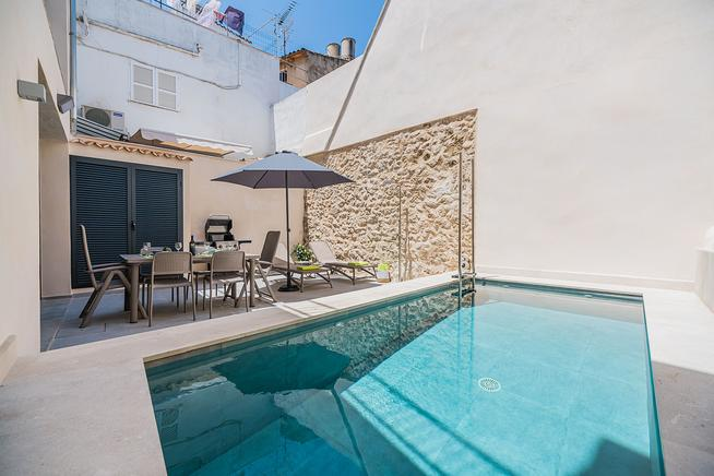 Wonderful Casa Oasis in the heart of Pollensa old town with pool