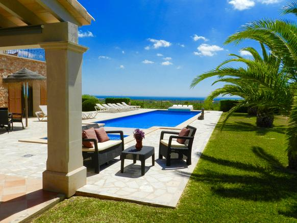 Majestic finca with ocean views