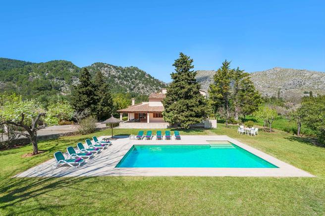 Charming villa Can Curt in the Mallorcan countryside