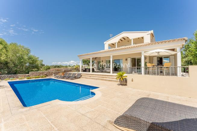 Wonderful villa in the countryside in Mahon