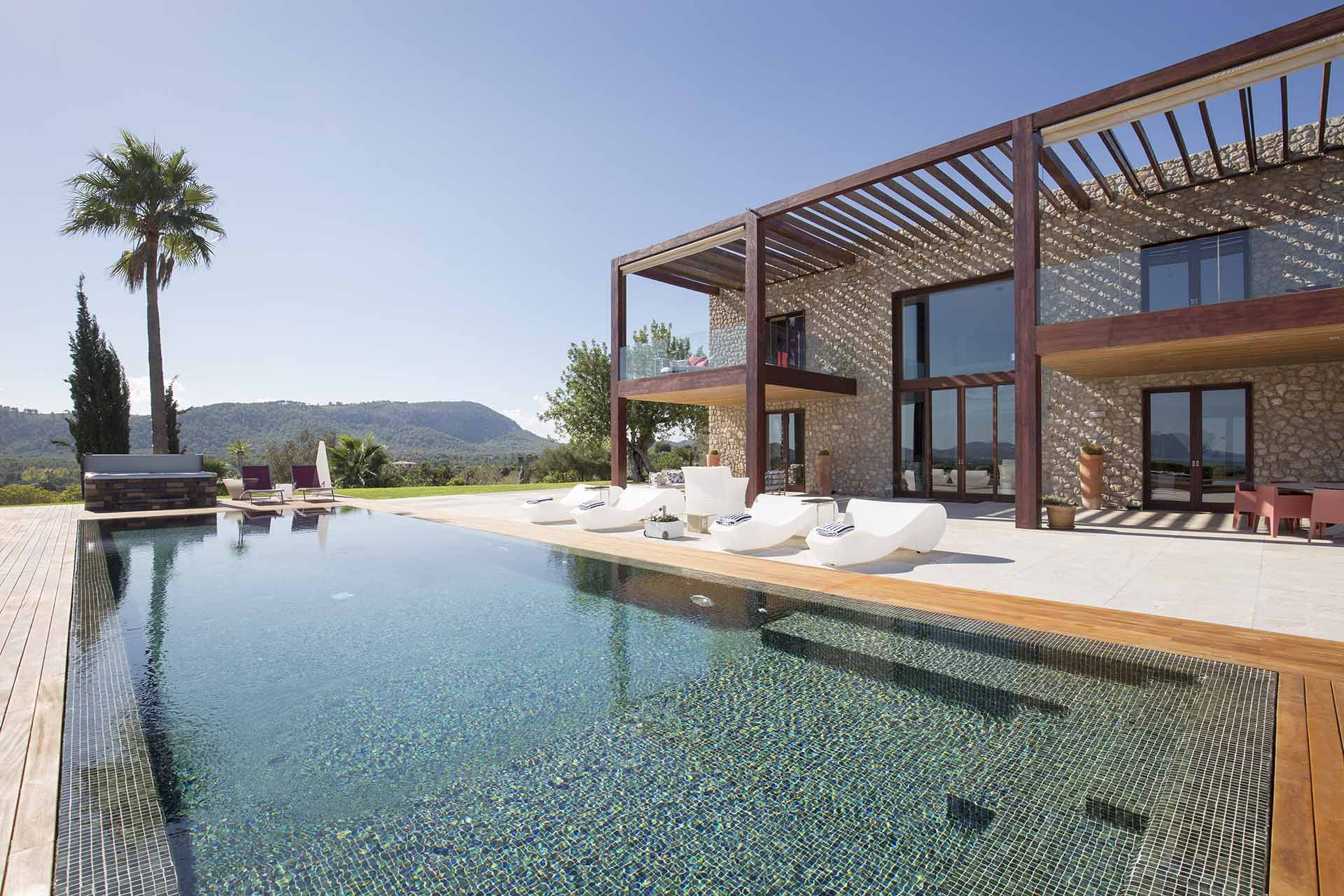 Large and luxurious villa in the north of the island of Mallorca, Puerto Pollensa