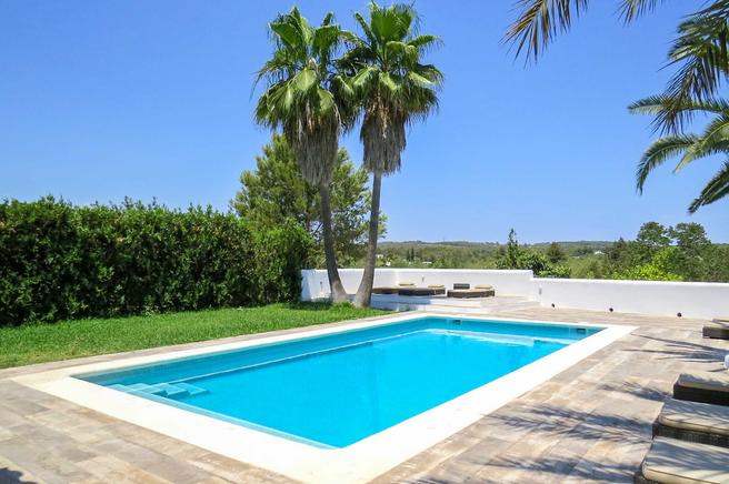 Can Miró is a rustic house ideal for Holiday rental in Santa Eulalia