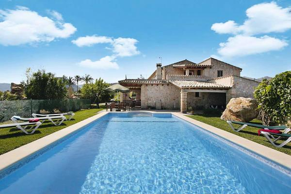 Great countryside villa for family holidays, Pollensa