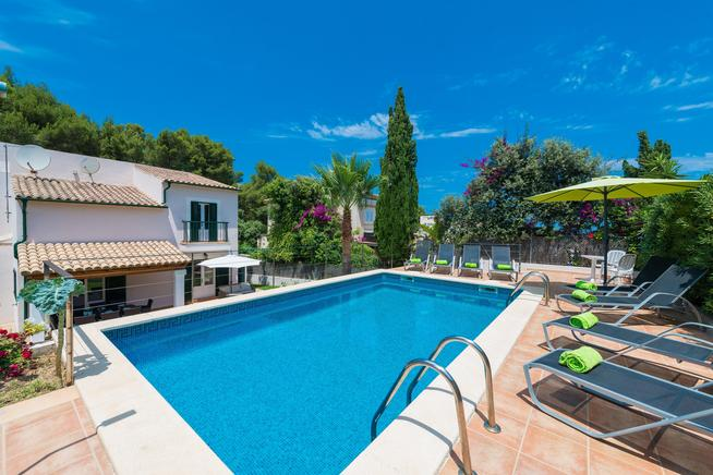 Cozy villa located in Cala de Sant Viçens, Pollensa