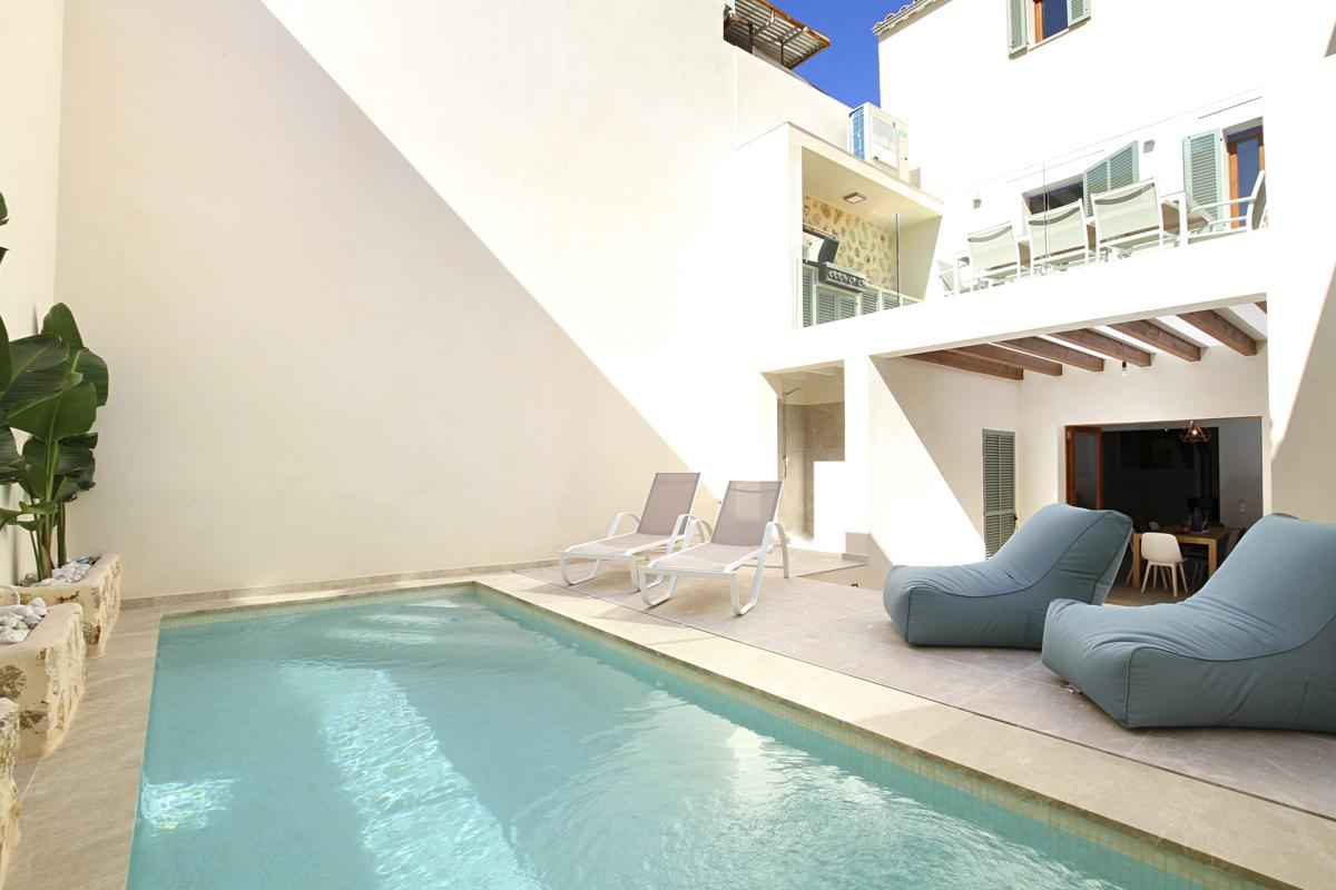 Villa Tila cozy holiday townhouse in center of Pollensa Old Town