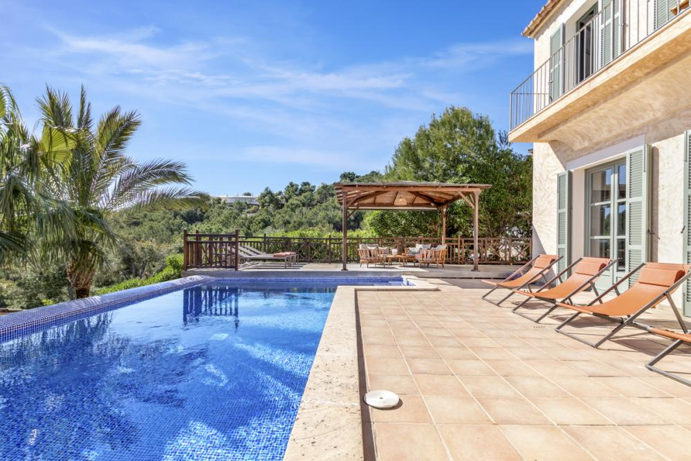 Luxurious 4 bedroom villa Garden Mar located in Camp De Mar ideal for families with children