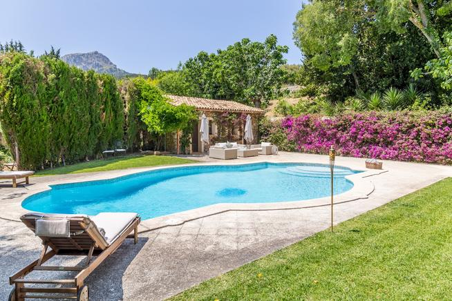 Beautiful family villa for rent in the Majorcan town of Puigpunyent.