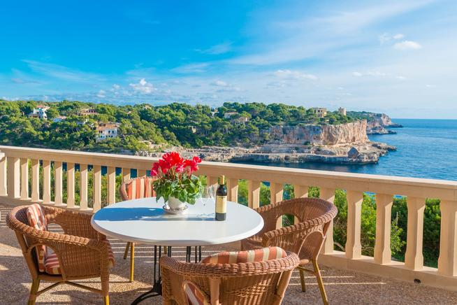 Frontline beach villa for rent in Cala Santanyi