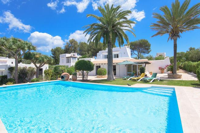 Mallorca villa rental in Cala dOr, Majorca, Spain