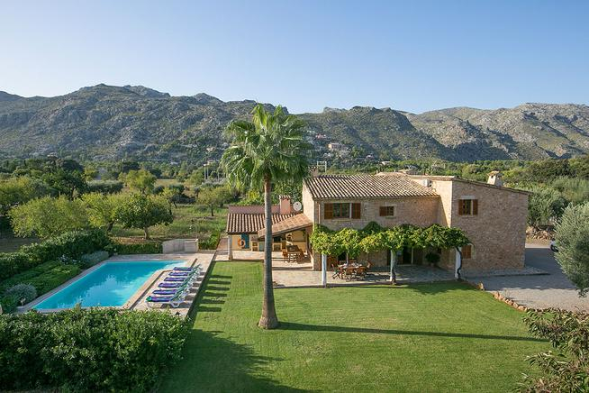 Countryside villa located in Pollensa. North of Mallorca
