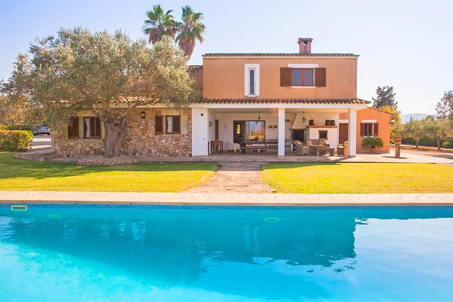 Spacious holiday home in Puerto de Alcudia, Mallorca