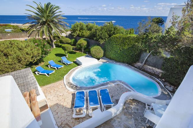 Villagran Mar- is villa in bahía de Cala Esmeralda, Cala dOr, Mallorca