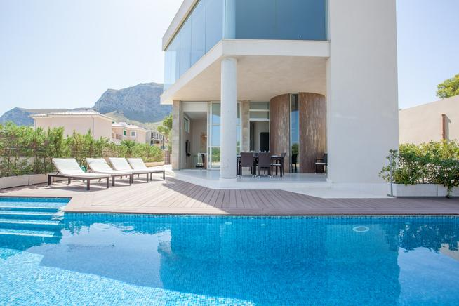 Holiday rental villa very close to the sea in Colonia de Sant Pere