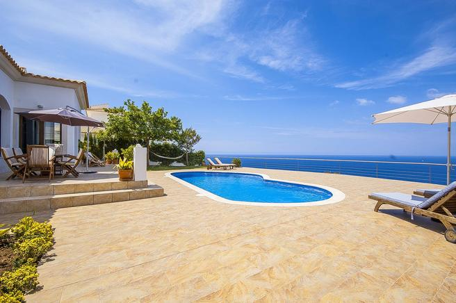 Luxury villa to rent in Cala Blava, Palma de Mallorca