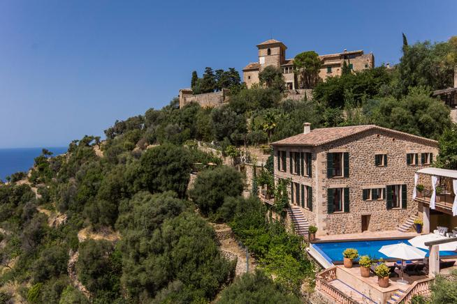 A perfect holiday retreat with views of the coast of deia, Mallorca