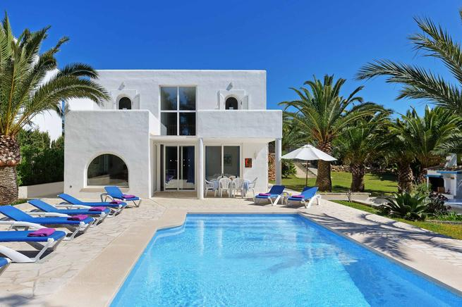Holiday luxury villa rental in Santanyi, Mallorca
