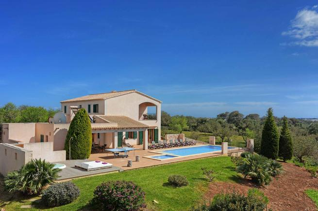 Villa Xiquetes is a it is a beautiful villa located in Santanyi, Mallorca