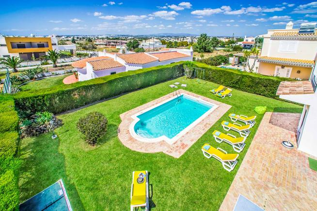 Holiday Villa Carlota for max. 8 people in Albufeira, Algarve