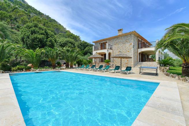 Magnificent country homes for your holidays in Pollensa