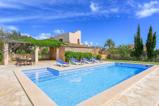 Villa Mestressa - Nice holiday villa close to the old town Santanyi in south-eastern of Mallorca