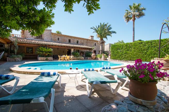 Mallorca holiday villa rental in Pollensa, Spain