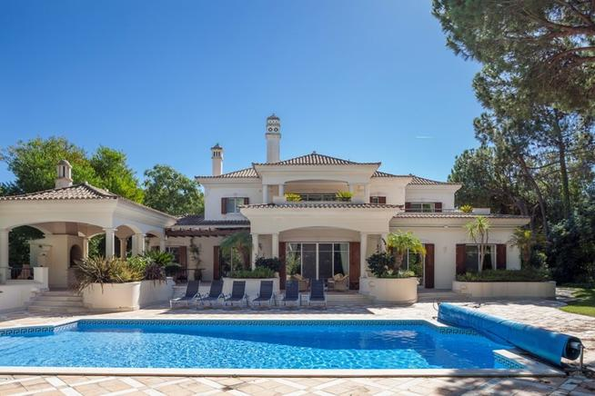 Exceptional Holiday Villas in Portugal (Faro)