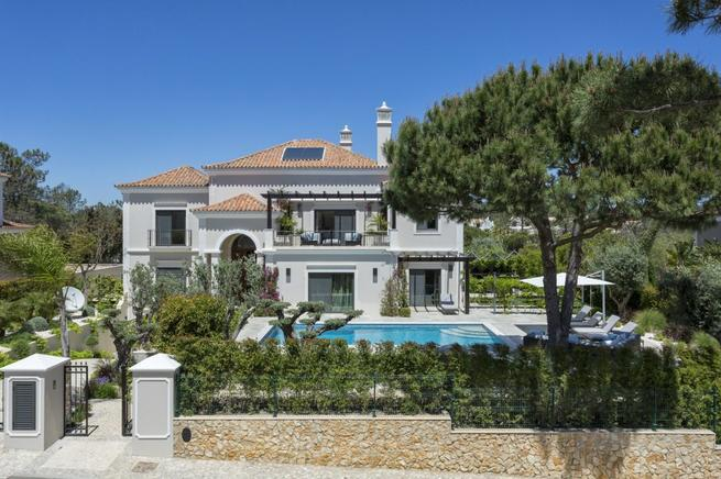 Contemporary villa rental in Algarve, Faro