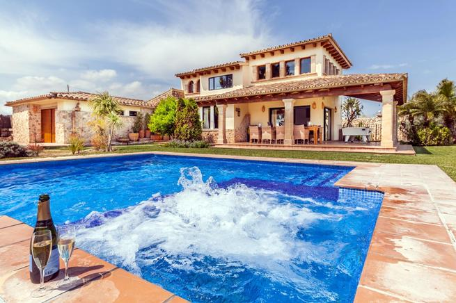 Luxury house designed for holiday rental and relaxation, Pollensa