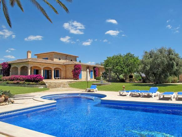 Fantastic and luxurious villa located between Cala dOr and Porto Petro, Majorca