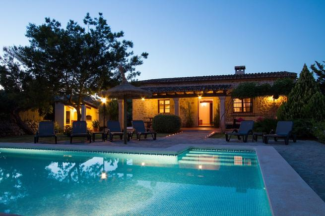 Villa to rent in Pollensa with swimming pool, Majorca