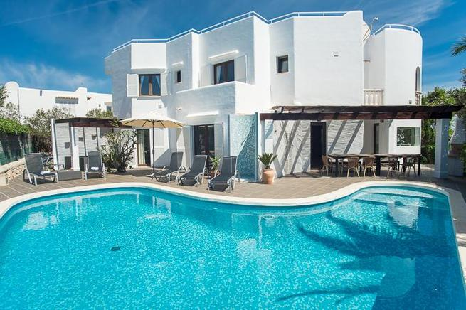 Villa Esmeralda - holiday home for large family, Cala dOr