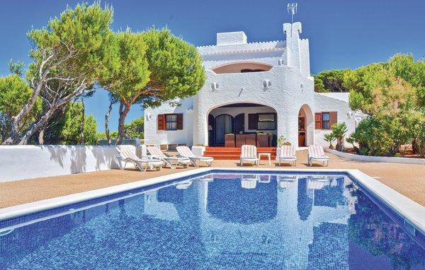 Beautiful country house for holiday rental located in Cala Morell, Menorca
