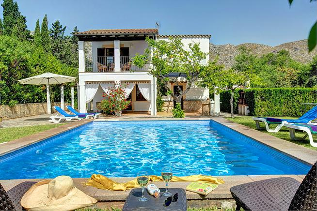 Pollensa holiday villa rental. Spain