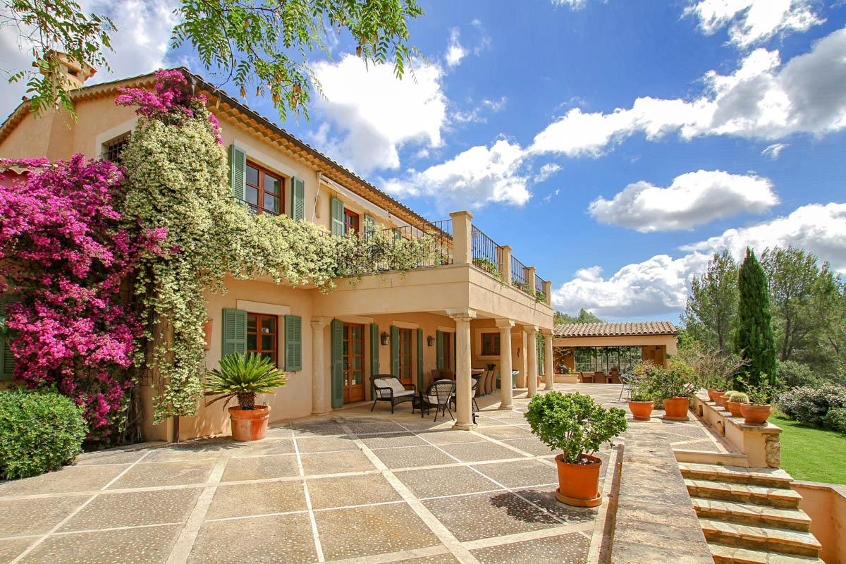 A truly special villa for holiday rental Pollensa in the North Mallorca