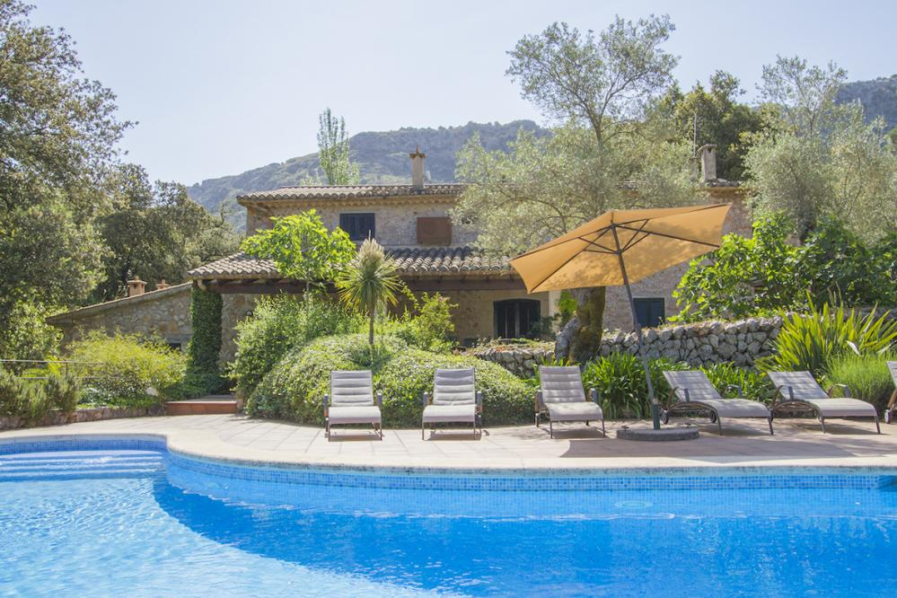 Villa Alona beautiful private villas with pool to rent in Pollensa