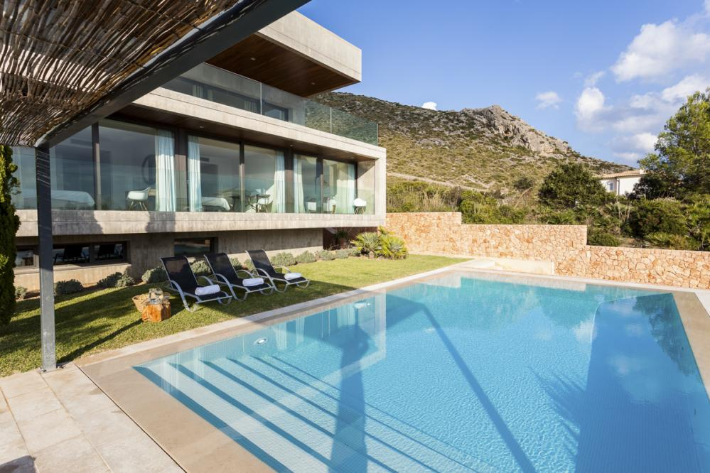 Puerto Deluxe fantastic Holiday Villa in Fabulous Location, Majorca