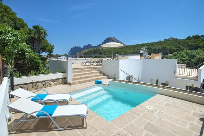 Villa Estrella is a holiday villa rental with sea views in cala san vicente