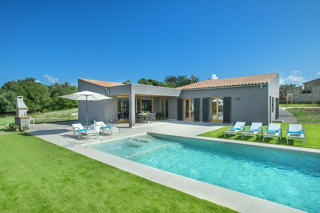 Villa Mir - Holiday luxury villa for rent in Pollensa