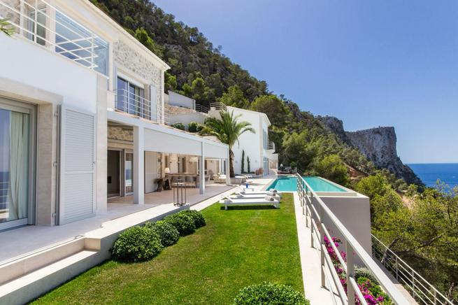 Luxurious beachfront villa incredible views of Cala Llamp, in Port of Andratx