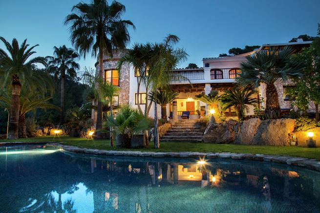 Luxury & unique villa with traditional Ibizan architecture in Cap Martinet, Ibiza
