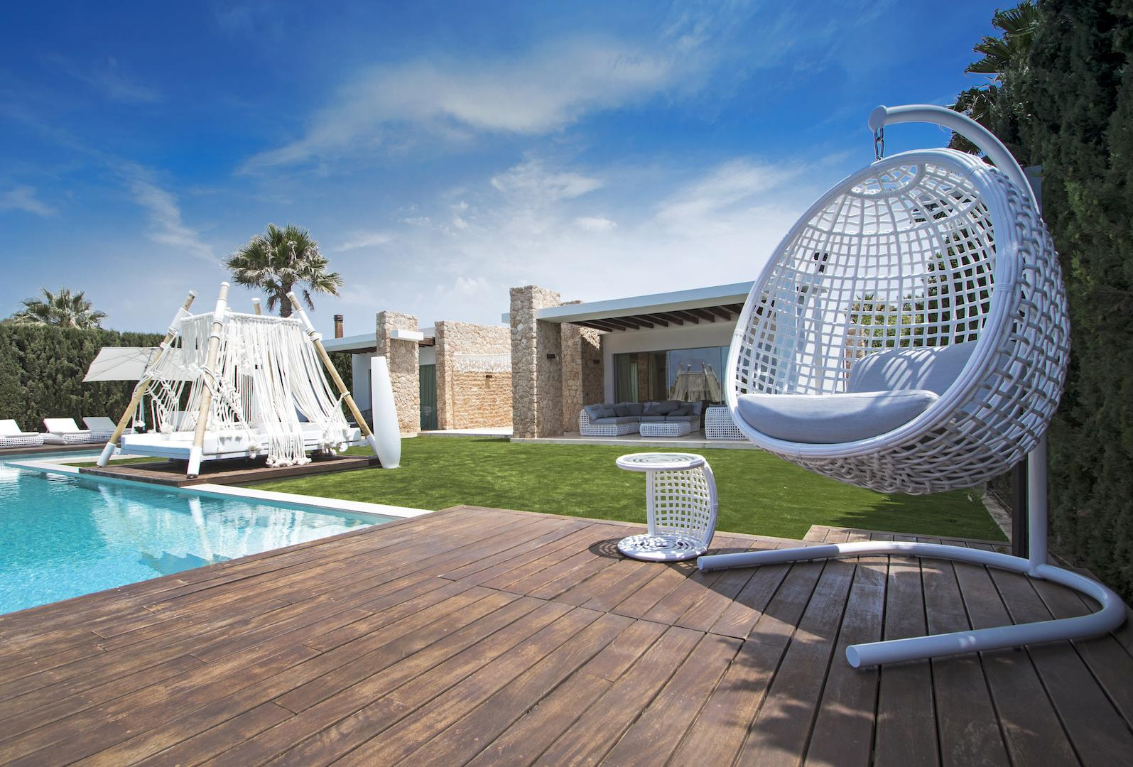Holiday luxury villa with swimming pool in Ibiza, San Jose, Cala Conta - Villa Mykonos