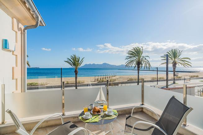 Luxury sea view villa for rent in Puerto Pollensa