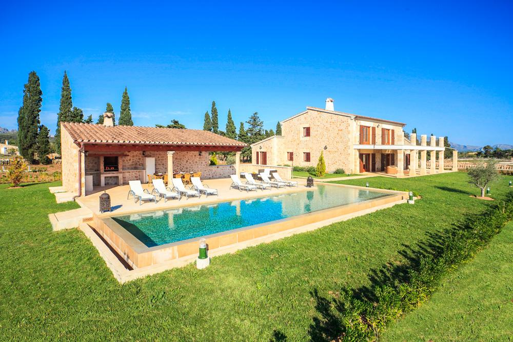 Villa Fiol is a rental house impressive & stylish design in Pollenca