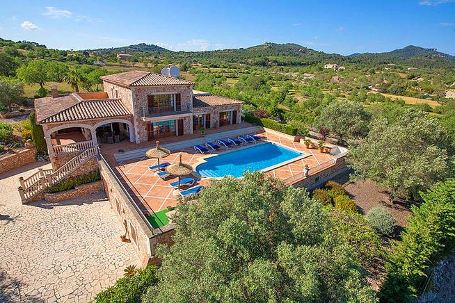 Holiday luxury villa in Alqueria Blanca, Cala dOr, Majorca