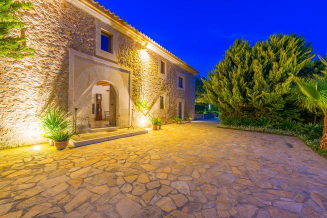Holiday villa rental in Alcudia, Mallorca