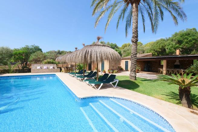 Chic Countryside Villa with private pool in Portocolom, Mallorca