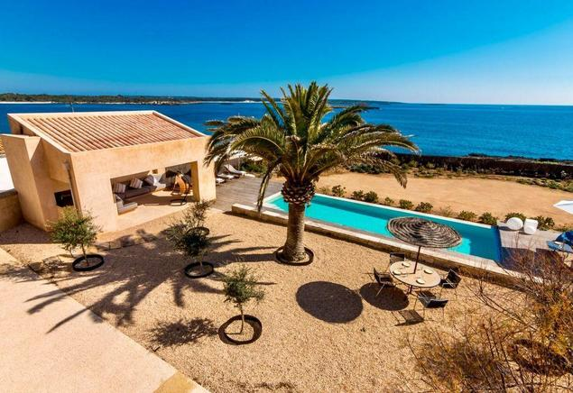 Mediterranean villa by the sea to rent in Colònia de Sant Jordi, Mallorca (Es Trenc)